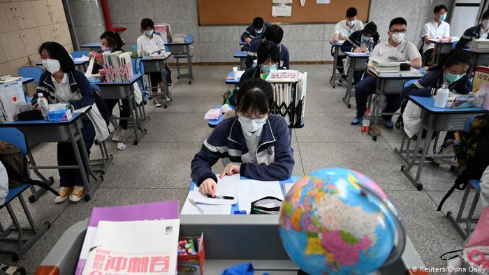 China confinó una ciudad de cinco millones de habitantes por un brote de COVID-19 entre escolares