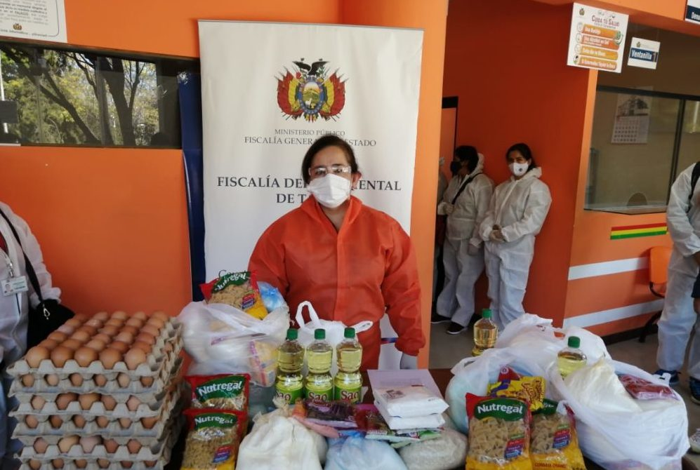 """Fiscalía inicia campaña para entregar """"canastones"""" a jefas de hogar en Tarija"""