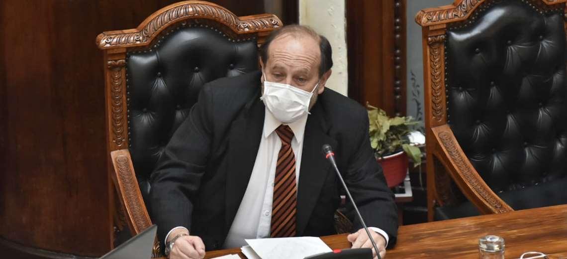 """Coronavirus: ministro Navajas calcula que habrá 10 mil infectados """"si nos va bien este mes"""""""