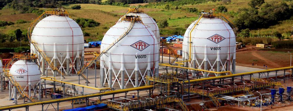 Gobierno y YPFB alientan la reactivación del programa de biocombustibles