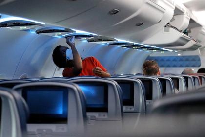 Un estudio mostró cuáles asientos de avión tienen el mayor riesgo de contagio en un vuelo