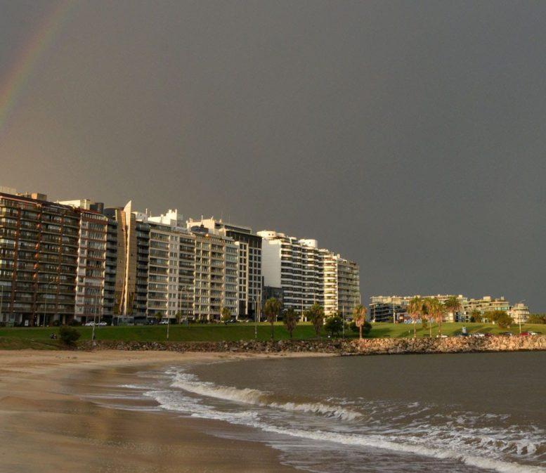 """El mensaje del ministro de Turismo de Uruguay a los argentinos, brasileños y chilenos: """"Este verano no vamos a poder recibirlos"""""""