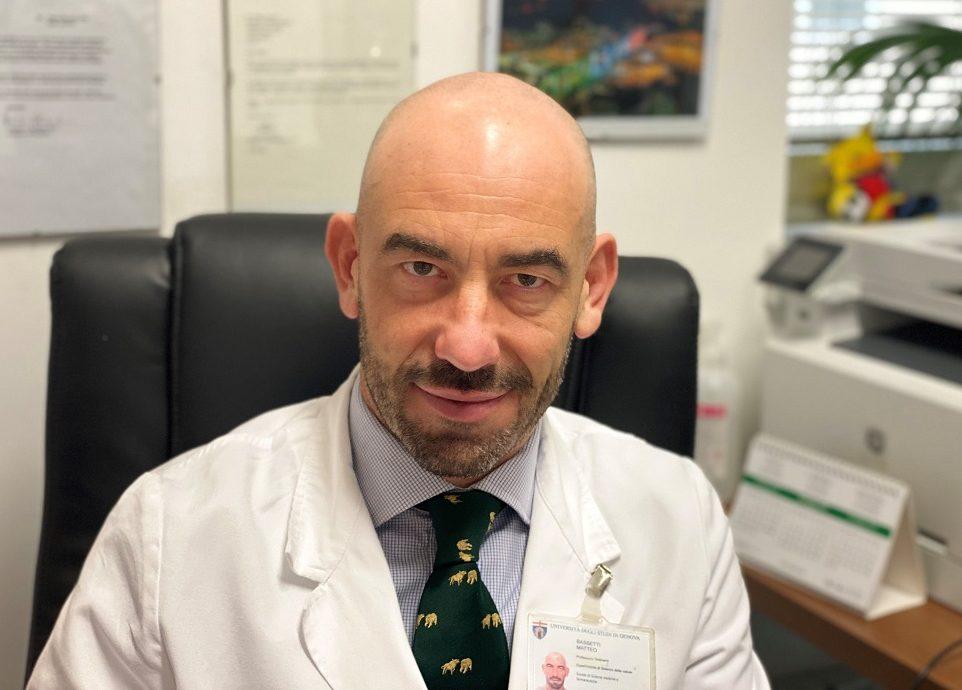 """Según un experto italiano, """"el coronavirus se está debilitando y podría morir solo sin una vacuna"""""""