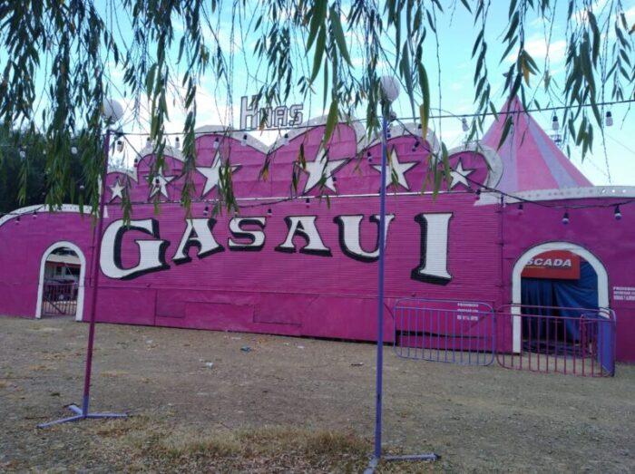 Abandonado por las autoridades, Circo Hnas. Gasaui agradece a los vecinos de Tarija por la solidaridad
