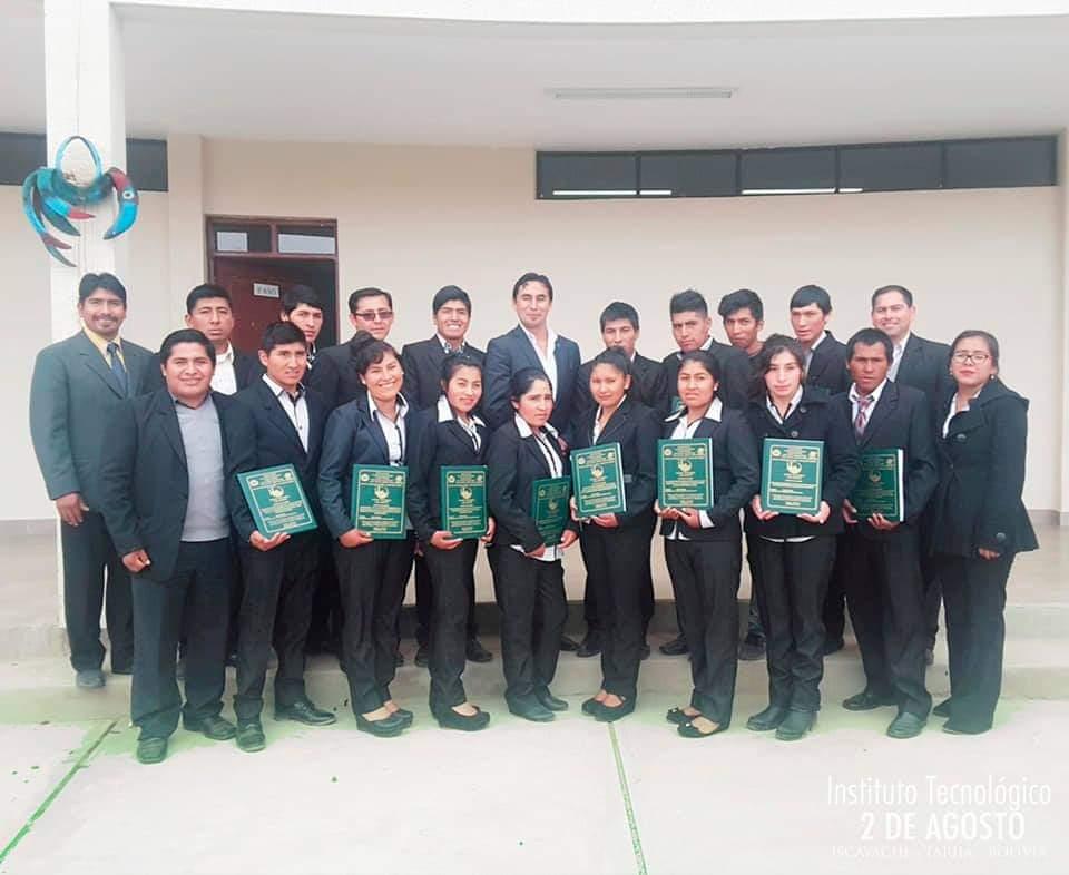 Homenaje por el cuatro aniversario del Instituto Tecnológico 2 de agosto de Iscayachi