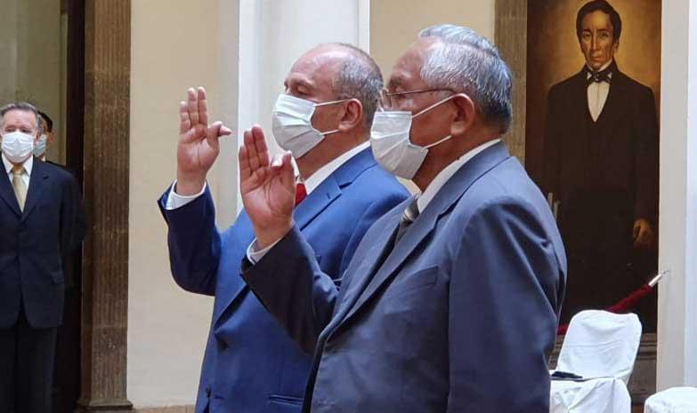 Vuelven Murillo y Cárdenas; Añez vuelve a posesionar a ministros censurados por la Asamblea