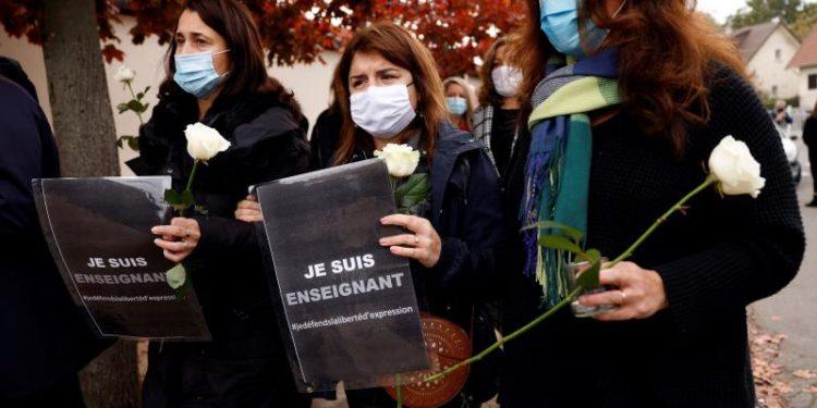 "Francia anunció un ""homenaje nacional"" a Samuel Paty, el profesor de Historia decapitado por mostrar caricaturas de Mahoma"