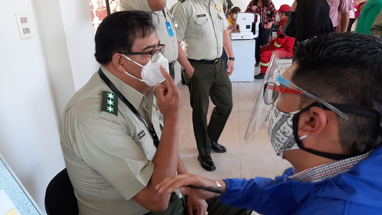 Policía de Tarija reporta que un 20% de los uniformados rechazaron ponerse la vacuna contra el coronavirus