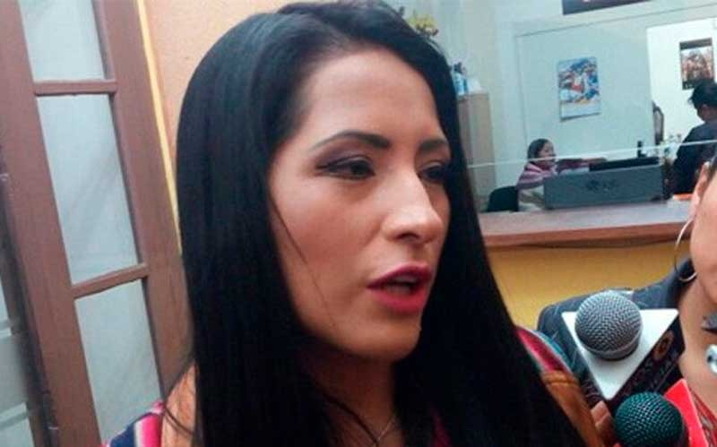 Alanoca anuncia que procesará a quienes la acusaron