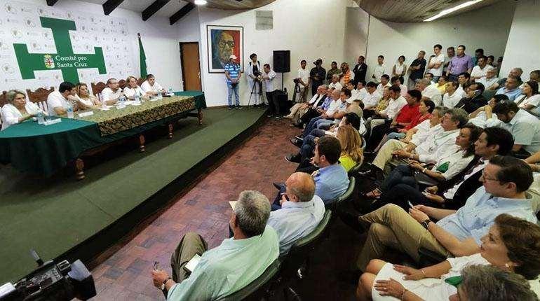 Fuerzas políticas definirán si asisten a la convocatoria del Comité pro Santa Cruz