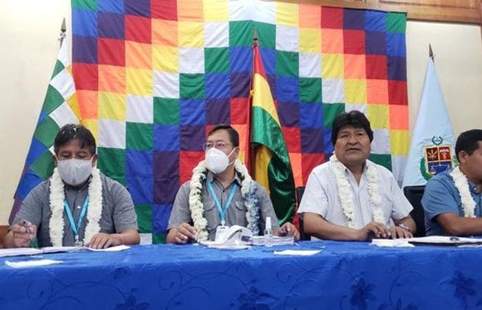 Evo Morales lanza el desafío de ganar en al menos siete gobernaciones y 300 municipios