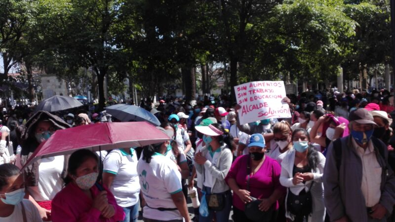 Tarija: Asociación de madres solteras amenaza con marchar diariamente por los recursos del desayuno escolar