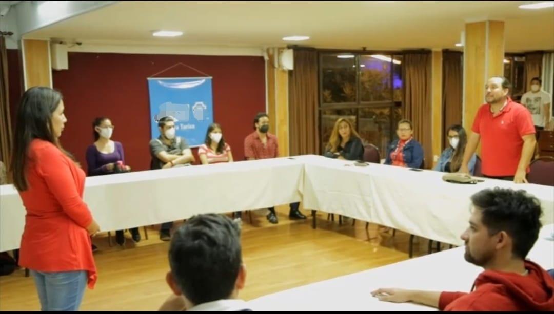Agrupación de jóvenes de Tarija muestran su apoyo a la candidata Patricia Paputsakis