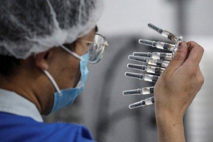 El fabricante chino Sinovac afirmó que su vacuna contra el coronavirus tiene una alta eficacia después que Brasil dijera que es del 50,38 %