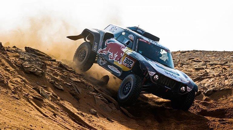 Peterhansel no suelta el primer lugar en el Dakar