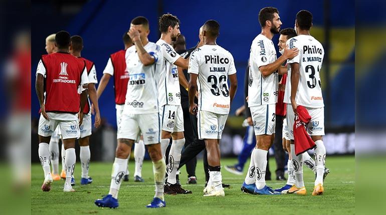 Dos jugadores del Santos que participaron en semis de Libertadores ante Boca tienen Covid-19