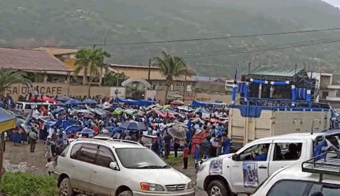 Vehículo atropella a grupo de personas en acto del MAS en Caranavi; reportan que hay heridos