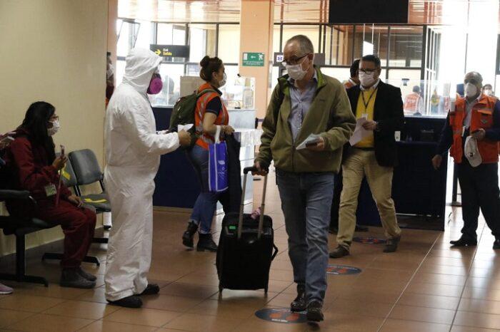 Aeropuertos del 'eje troncal' contarán con puntos de vacunación contra el COVID-19