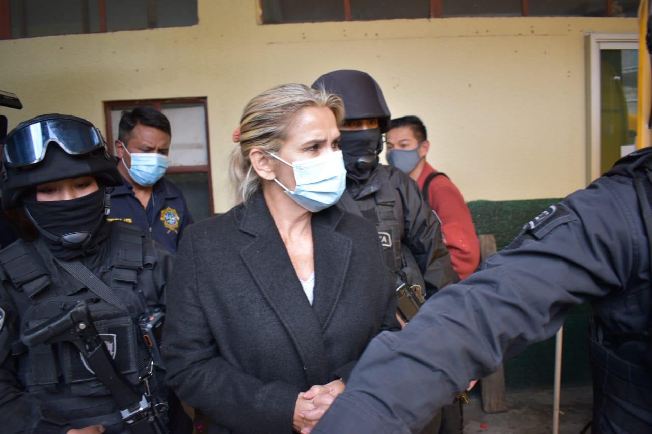 Añez presenta denuncia contra el ministro Lima por difamación y calumnia