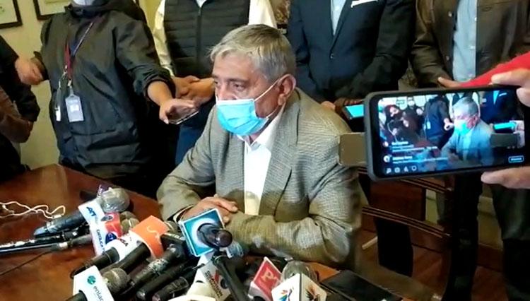 Arias denuncia que en su primer día de gestión lo citaron a audiencia y hay toma de subalcaldías
