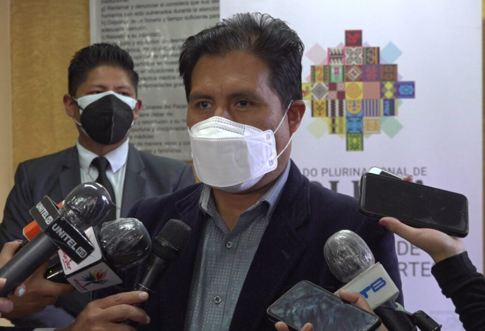 Bolivia aguarda 'estudios serios' que permitan que se pueda vacunar a menores de 18 años