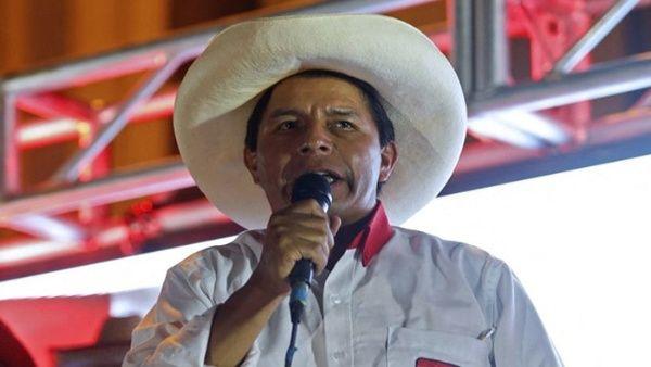 Pedro Castillo promete lucha contra la corrupción en Perú
