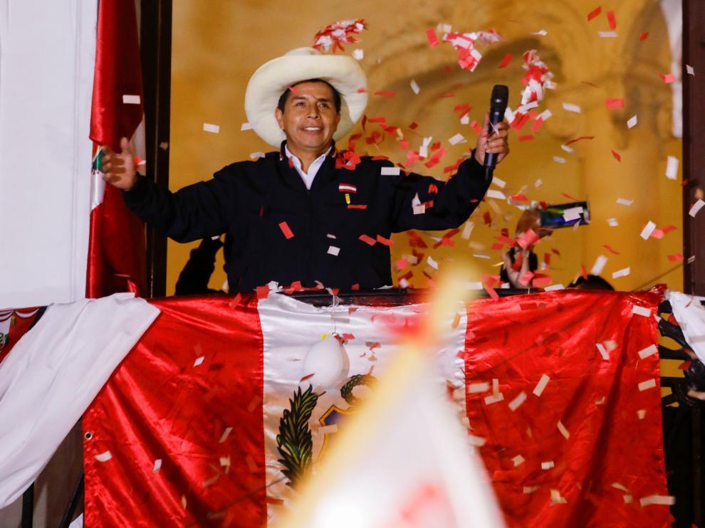 Jurado electoral proclama al izquierdista Pedro Castillo nuevo presidente de Perú