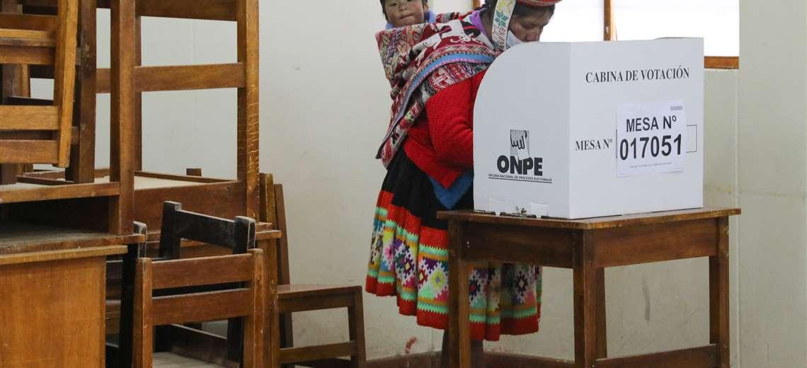 Ballotage en Perú: el conteo se acerca al final y Pedro Castillo mantiene su ventaja sobre Keiko Fujimori
