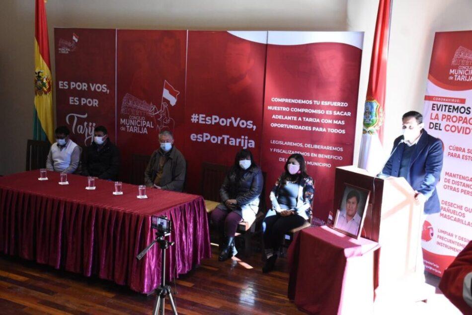Antonio Pocoata y Evaristo León fueron reconocidos con el premio de periodismo