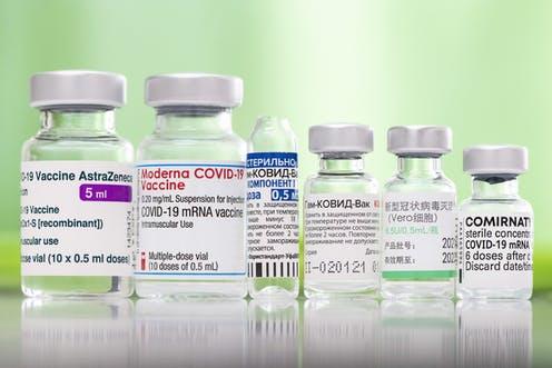Expertos de la OMS y la FDA sostienen que una tercera dosis generalizada de la vacuna contra el COVID-19 aún no está justificada