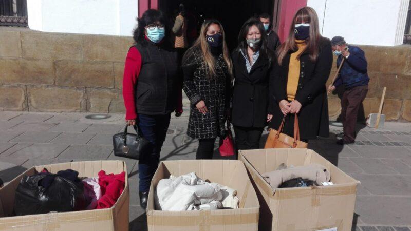 Instituto CCA se une a la campaña de recolección de ropa de abrigo en Tarija